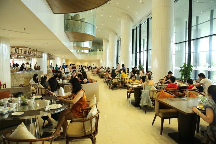 Hàng ngàn khách check in, FLC Sầm Sơn tăng cường các giải pháp đảm bảo an toàn mùa cao điểm ảnh 8