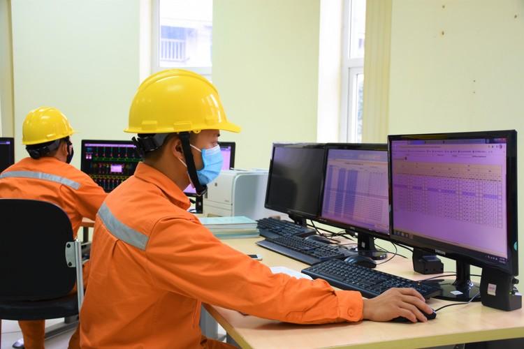 EVNHANOI triển khai các giải pháp đảm bảo điện mùa nắng nóng ảnh 2