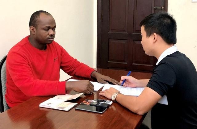 Thừa Thiên Huế: 7 người Nigeria trong đường dây lừa đảo 120 tỷ đồng bị bắt ảnh 1