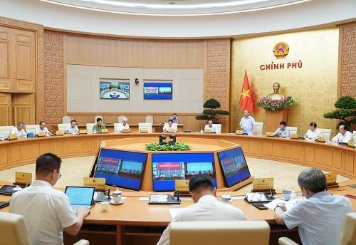 Thủ tướng chủ trì họp Thường trực Chính phủ về phòng chống COVID-19 ảnh 1
