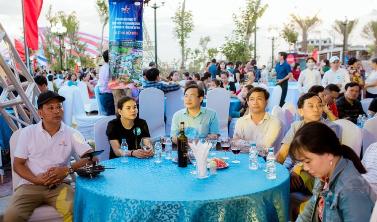 Kỳ quan khắp thế giới được tái hiện tại Công viên Năm Châu – Nghệ An ảnh 1