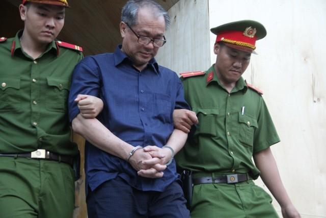 """""""Đại gia"""" Hứa Thị Phấn và Phạm Công Danh cùng vắng mặt tại tòa ảnh 2"""
