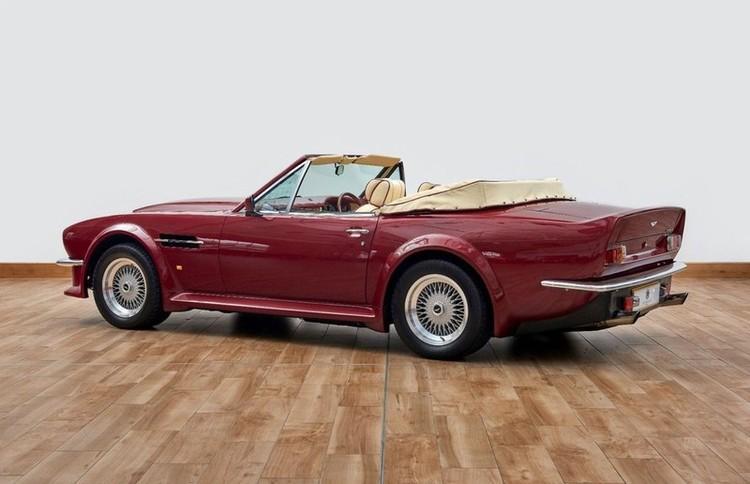 Xế cổ Aston Martin V8 Volante 1988 của David Beckham được rao bán ảnh 1
