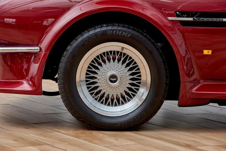 Xế cổ Aston Martin V8 Volante 1988 của David Beckham được rao bán ảnh 4