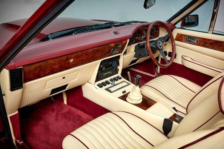 Xế cổ Aston Martin V8 Volante 1988 của David Beckham được rao bán ảnh 5