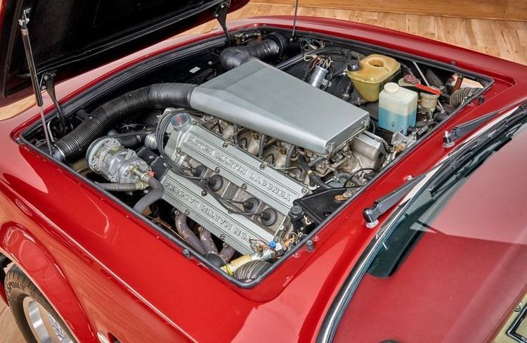 Xế cổ Aston Martin V8 Volante 1988 của David Beckham được rao bán ảnh 6