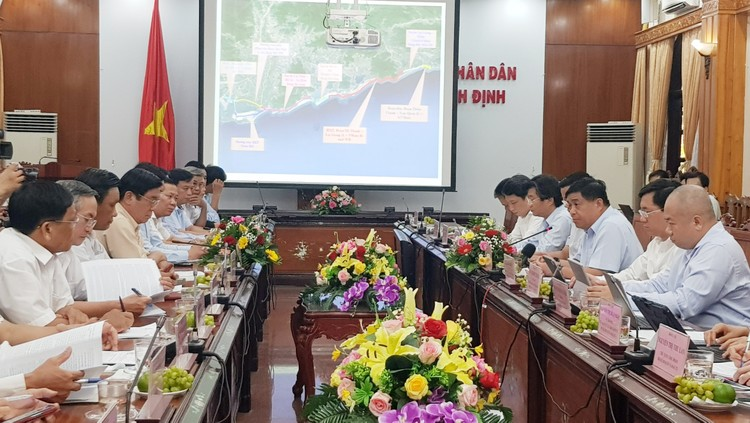Bộ trưởng Nguyễn Chí Dũng làm việc tại Bình Định: Gợi mở định hướng phát triển bền vững ảnh 4