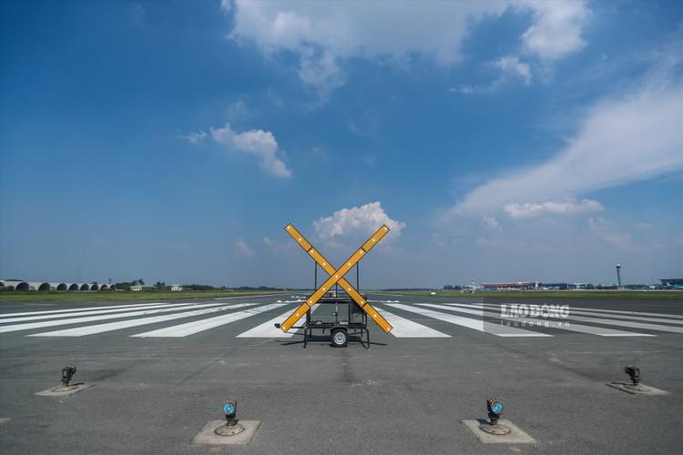 """Toàn cảnh """"đại công trường"""" cải tạo đường băng sân bay Quốc tế Nội Bài ảnh 9"""