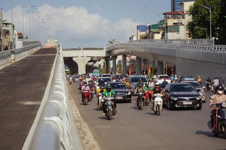 Cận cảnh đường Vành đai 2 trên cao ở Thủ đô sắp thông xe dịp 2/9 ảnh 3