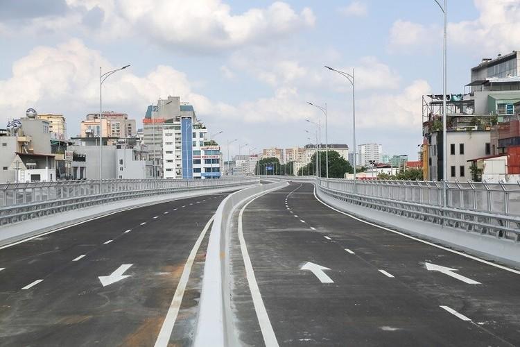 Cận cảnh đường Vành đai 2 trên cao ở Thủ đô sắp thông xe dịp 2/9 ảnh 4