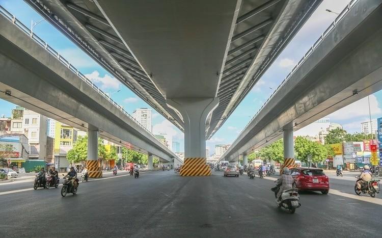Cận cảnh đường Vành đai 2 trên cao ở Thủ đô sắp thông xe dịp 2/9 ảnh 9