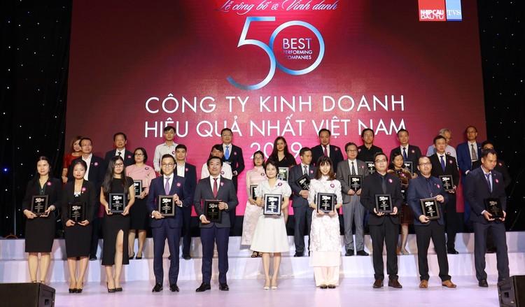Vinamilk liên tiếp được đánh giá thuộc top kinh doanh hiệu quả nhất Việt Nam ảnh 1