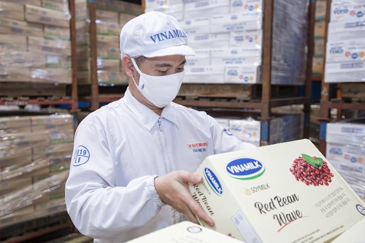Vinamilk liên tiếp được đánh giá thuộc top kinh doanh hiệu quả nhất Việt Nam ảnh 6