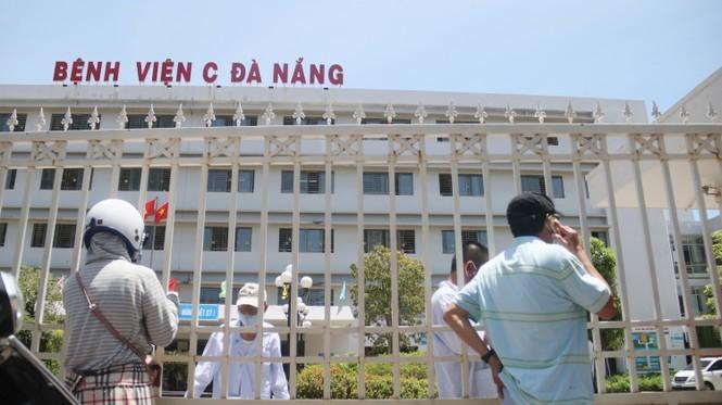 Bệnh viện C Đà Nẵng 'nội bất xuất, ngoại bất nhập' sau ca nghi mắc Covid-19 ảnh 8