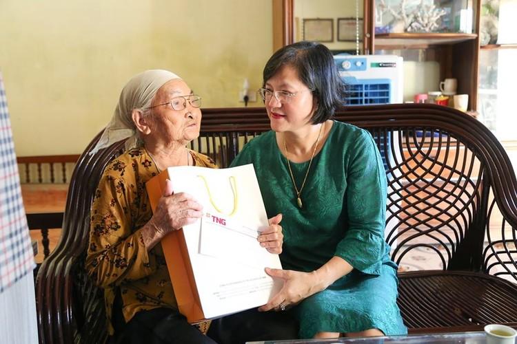 TNG Holdings Vietnam bồi đắp truyền thống uống nước nhớ nguồn cho cán bộ nhân viên ảnh 2