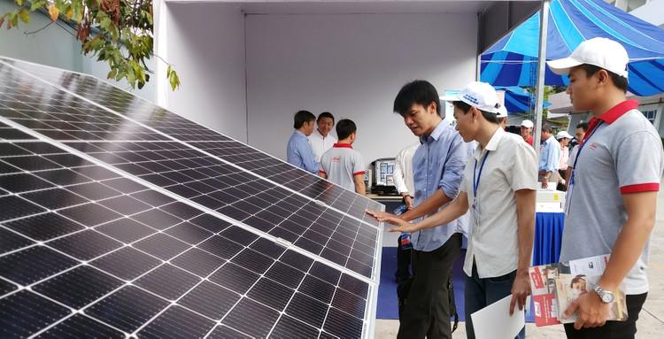 Tổng công ty Điện lực Miền Nam:Tạo thuận lợi tối đa cho khách hàng sử dụng điện mặt trời mái nhà ảnh 1