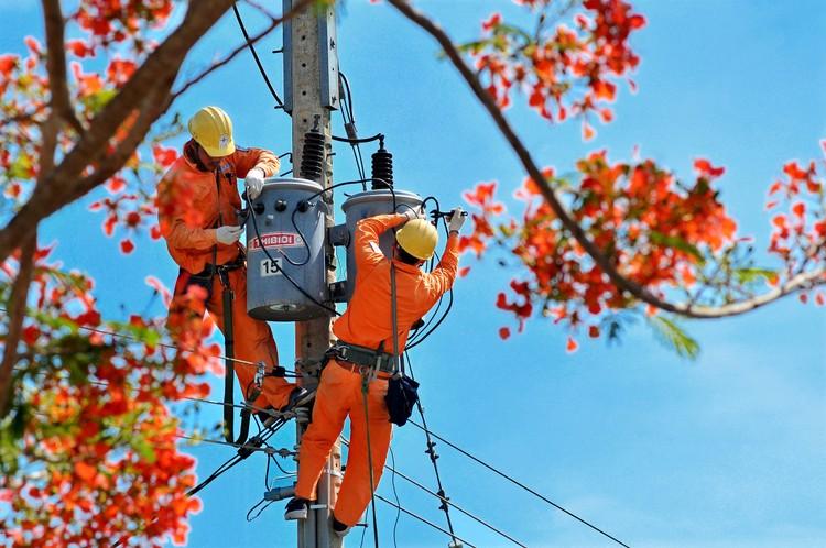 EVNSPC đảm bảo cấp điện ổn định và an toàn trong dịp Lễ 2/9 ảnh 1