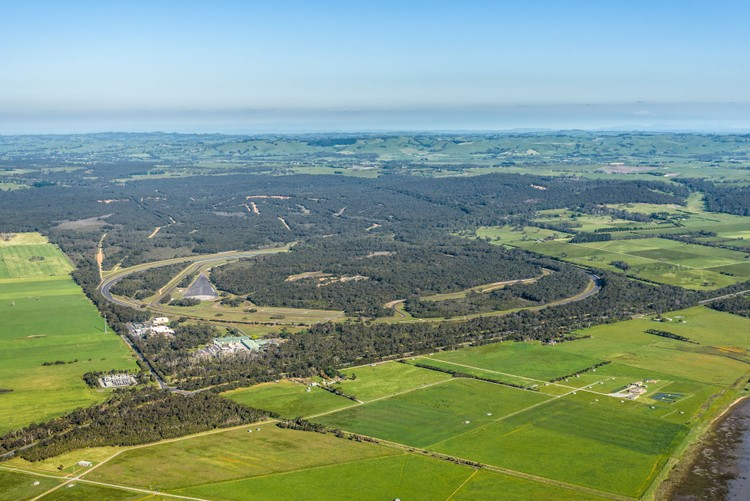 VinFast mua Trung tâm thử nghiệm xe của GM tại Australia ảnh 1