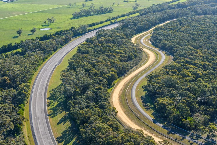 VinFast mua Trung tâm thử nghiệm xe của GM tại Australia ảnh 4