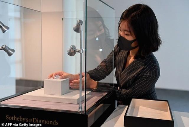 Sắp bán đấu giá viên kim cương to bằng quả trứng, có thể thu về 30 triệu USD ảnh 1