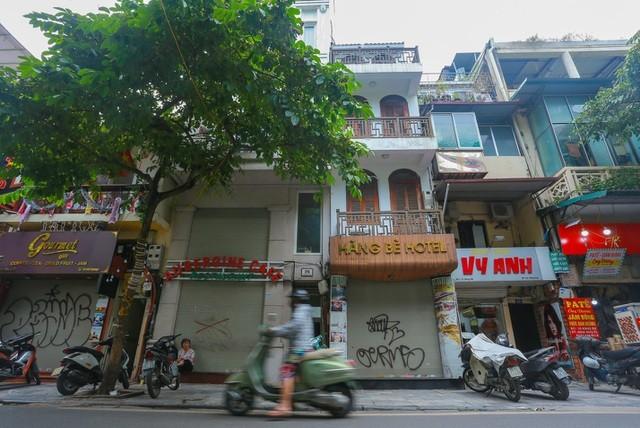 """""""Buốt ruột"""" vì vắng khách, chủ khách sạn phố cổ Hà Nội rao bán trăm tỷ đồng ảnh 1"""