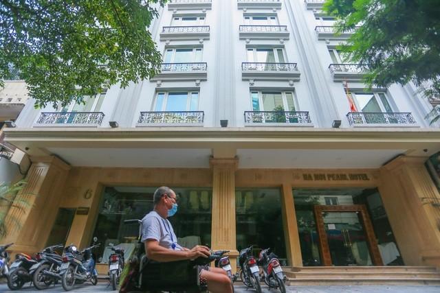 """""""Buốt ruột"""" vì vắng khách, chủ khách sạn phố cổ Hà Nội rao bán trăm tỷ đồng ảnh 7"""