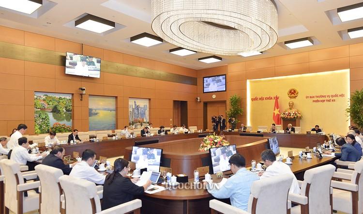 Trình Quốc hội phê chuẩn việc miễn nhiệm Thống đốc Ngân hàng Nhà nước Việt Nam ảnh 1