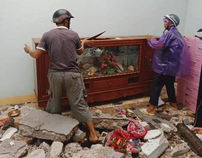 Bão số 9 giật sập nhà, đánh chìm tàu ở đảo Lý Sơn ảnh 6