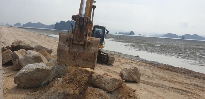 Quảng Ninh: Dự án BĐS 'hot' nhất Vân Đồn bị phạt vì lấn chiếm trái phép vịnh Bái Tử Long ảnh 2