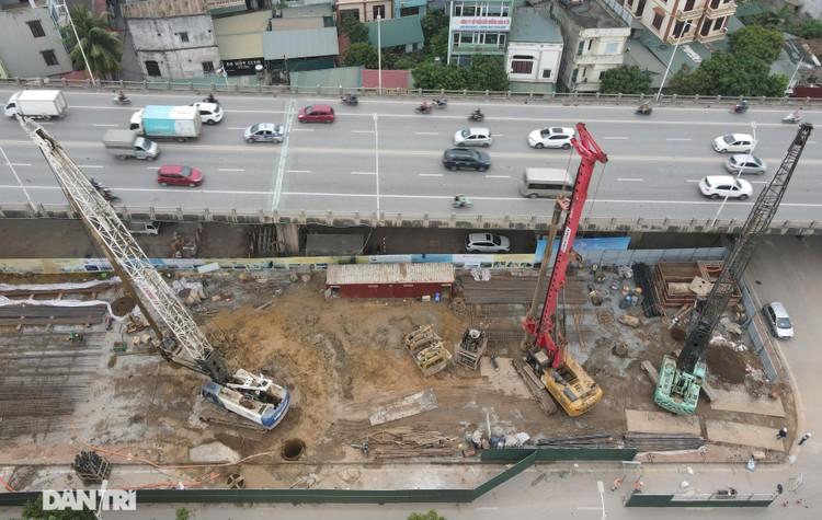 Đại công trường xây dựng cầu Vĩnh Tuy 2 vượt sông Hồng hơn 2.500 tỷ ở Hà Nội ảnh 1