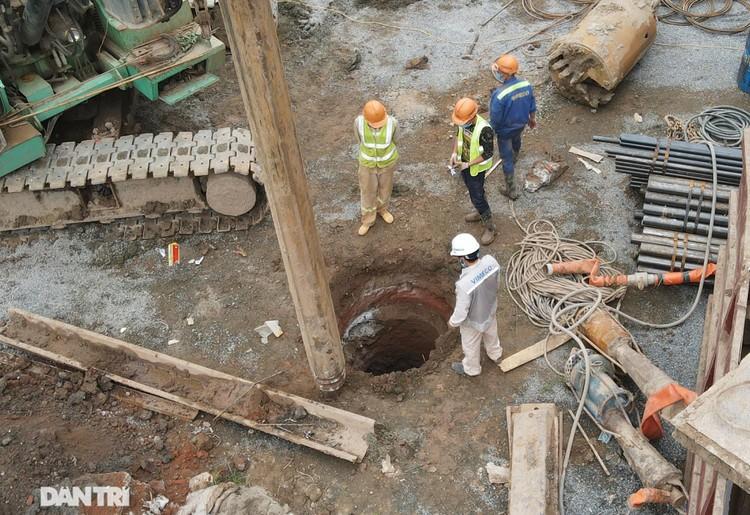 Đại công trường xây dựng cầu Vĩnh Tuy 2 vượt sông Hồng hơn 2.500 tỷ ở Hà Nội ảnh 5