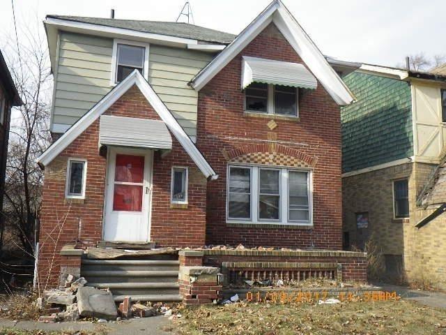 Chàng trai mua nhà hoang giá 2.100 USD rồi cải tạo thành biệt thự tặng mẹ ảnh 1