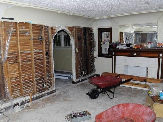Chàng trai mua nhà hoang giá 2.100 USD rồi cải tạo thành biệt thự tặng mẹ ảnh 2