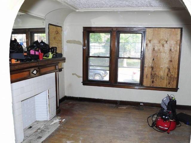 Chàng trai mua nhà hoang giá 2.100 USD rồi cải tạo thành biệt thự tặng mẹ ảnh 4