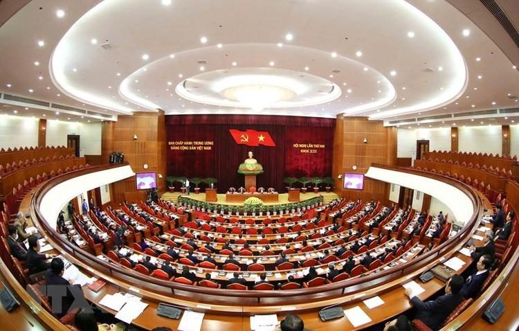 Bộ Chính trị đề nghị Trung ương kiện toàn các chức danh lãnh đạo các cơ quan nhà nước tại kỳ họp thứ 11 Quốc hội khoá XIV ảnh 2