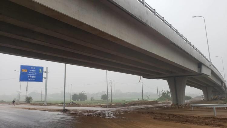 Hình ảnh 8 km cao tốc Bắc - Nam qua Ninh Bình sắp thông xe ảnh 3