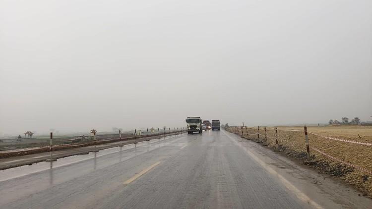 Hình ảnh 8 km cao tốc Bắc - Nam qua Ninh Bình sắp thông xe ảnh 7