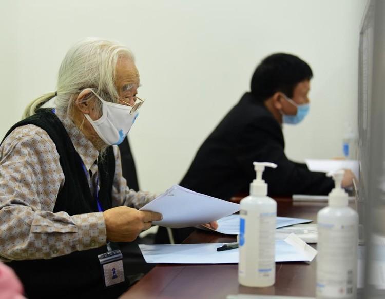 Nhiều người nhận hồ sơ tự ứng cử đại biểu Quốc hội tại Hà Nội ảnh 2