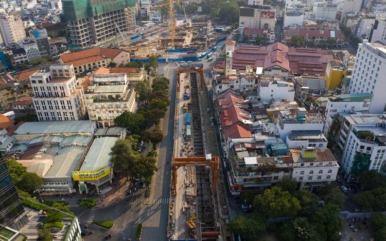 Hiện trạng công trường metro trước khi tái lập mặt đường Lê Lợi ảnh 1