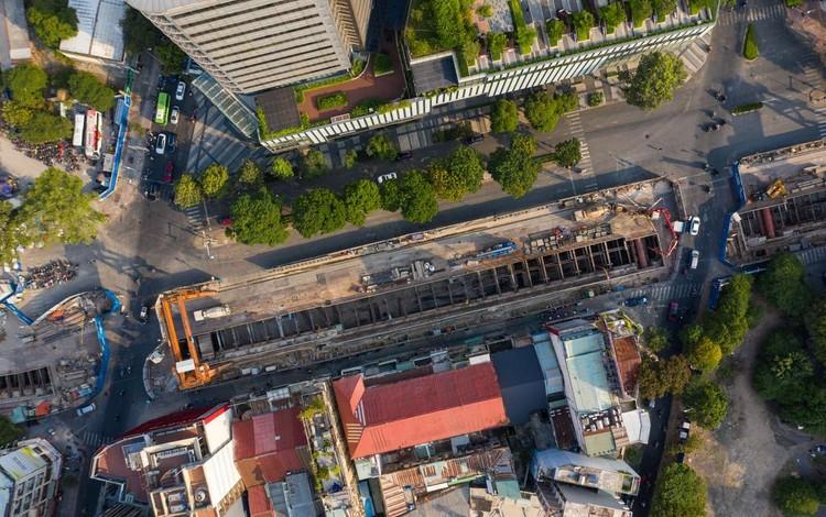 Hiện trạng công trường metro trước khi tái lập mặt đường Lê Lợi ảnh 4