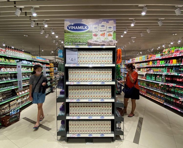 """Vinamilk tiếp tục tiến công"""" thị trường Singapore với dòng sản phẩm cao cấp ảnh 3"""