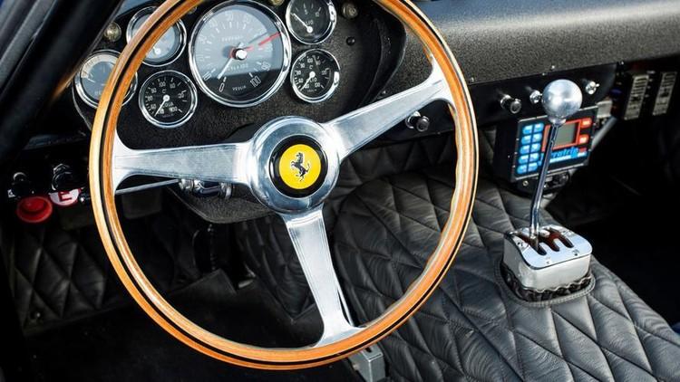 Siêu xe Ferrari cổ bán đấu giá hơn 70 triệu USD ảnh 10