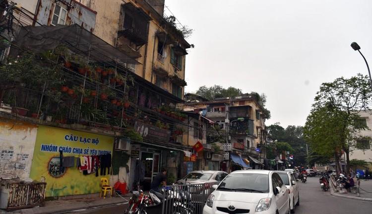 Rùng mình với những chung cư, tập thể cũ ở Hà Nội tiềm ẩn nguy cơ với người dân ảnh 4