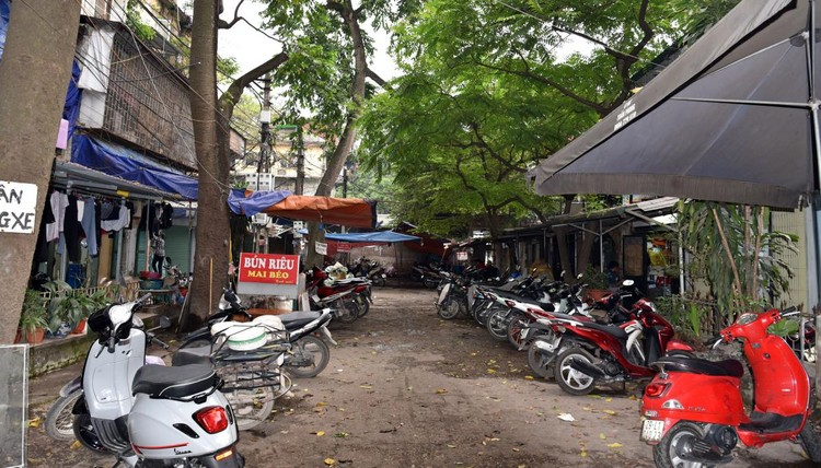 Rùng mình với những chung cư, tập thể cũ ở Hà Nội tiềm ẩn nguy cơ với người dân ảnh 5