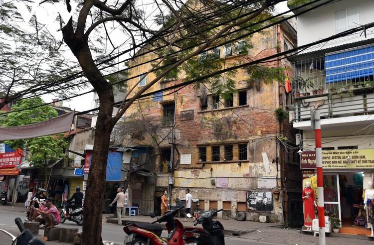Rùng mình với những chung cư, tập thể cũ ở Hà Nội tiềm ẩn nguy cơ với người dân ảnh 8