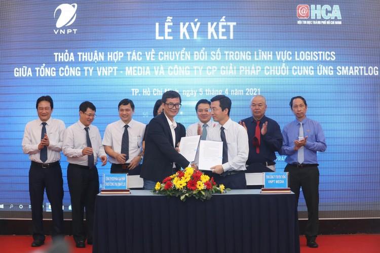 """Doanh nghiệp Việt """"đi cùng nhau"""" để chuyển đổi số nhanh và bền vững ảnh 2"""