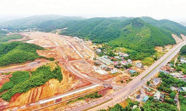 Vân Đồn (Quảng Ninh): Cấm cán bộ buôn bán, môi giới và tiếp tay cho đầu cơ đất đai ảnh 1
