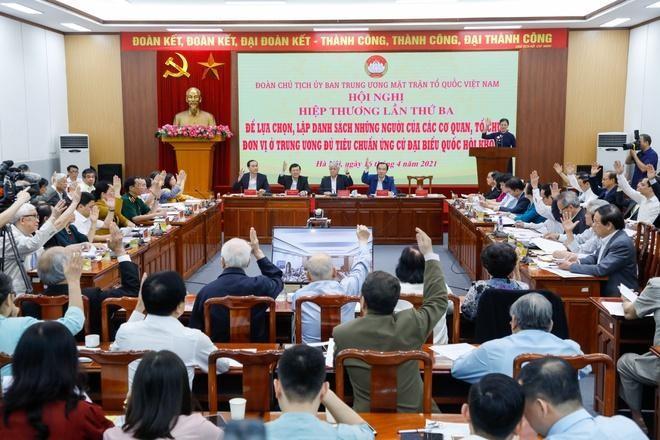17 ủy viên Bộ Chính trị ứng cử đại biểu Quốc hội ảnh 1