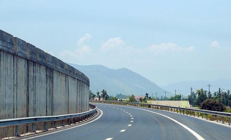 Cao tốc nối Đà Nẵng với Thừa Thiên Huế sắp về đích ảnh 9