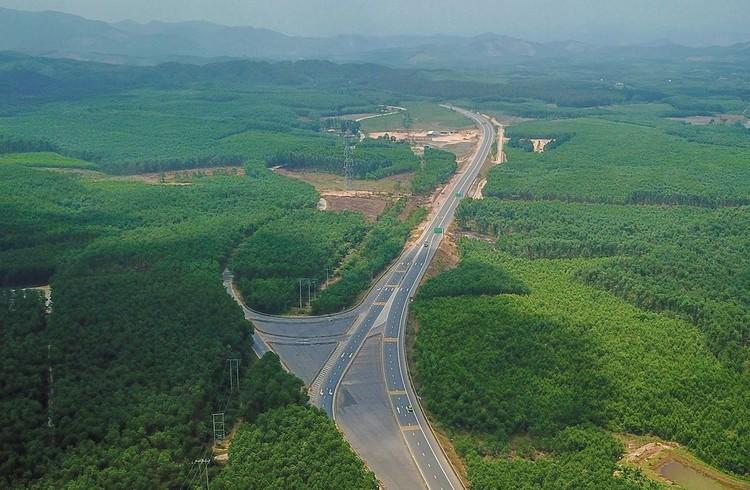 Cao tốc nối Đà Nẵng với Thừa Thiên Huế sắp về đích ảnh 12
